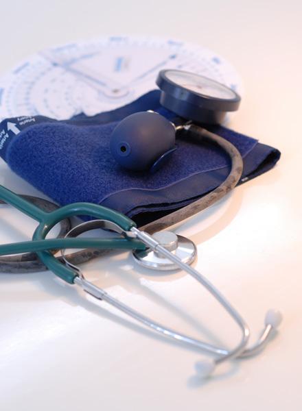 Stethoskop und Schwangerschaftsscheibe